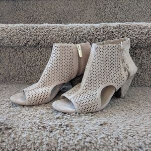Vince Camuto Ennisa heel sandal leather women 7.5